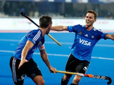 Argentine players celebrate during their HWL Final 2017 match against Engalnd. Twitter/@ArgFieldHockey