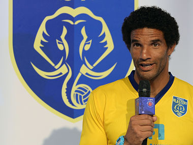 Kerala Blasters FC player David James speaks during the unveiling of the Indian Super League (ISL) football tournament trophy in Mumbai on October 5, 2014. The Indian Super League (ISL) is a professional football league featuring eight Indian teams and will be played between October-December 2014. AFP PHOTO/ PUNIT PARANJPE / AFP PHOTO / PUNIT PARANJPE