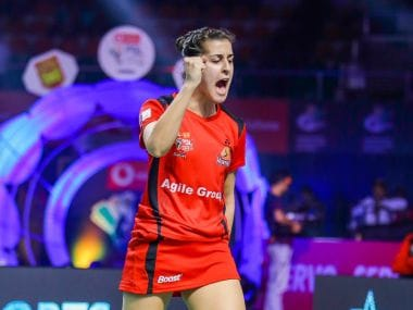 Carolina Marin during her match with Kirsty Gilmour. Image courtesy: Twitter @Hyd_Hunters