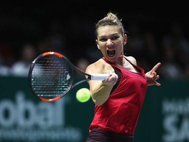 Simona Halep in action against Duan Yingying. Image courtesy: Twitter @WTA