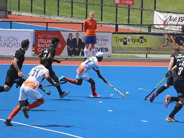 Indian team in action against New Zealand on Saturday. Image Courtesy:Twitter @TheHockeyIndia