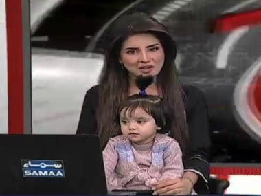 Pakistan TV anchor hosts show with daughter to protest rape and murder of 8-yr-old
