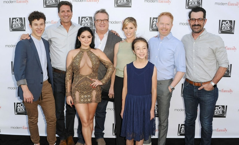 The cast of Modern Family/Image from Twitter.