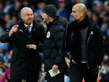 Soccer Football - FA Cup Third Round - Manchester City vs Burnley - Etihad Stadium, Manchester, Britain - January 6, 2018 Burnley manager Sean Dyche remonstrates with fourth official Andy Haines as Manchester City manager Pep Guardiola looks on Action Images via Reuters/Jason Cairnduff - RC162D8A2840