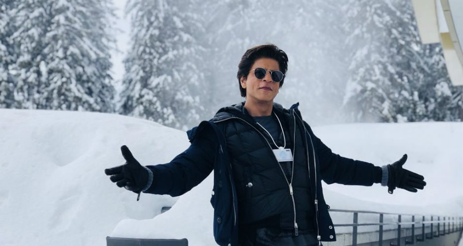 The actor thanked his late mother, wife and his daughter for inspiring him. After thanking the WEF for the award, Khan finished his speech with <em>namaskar</em> and 'Jai Hind'. Twitter @iamsrk