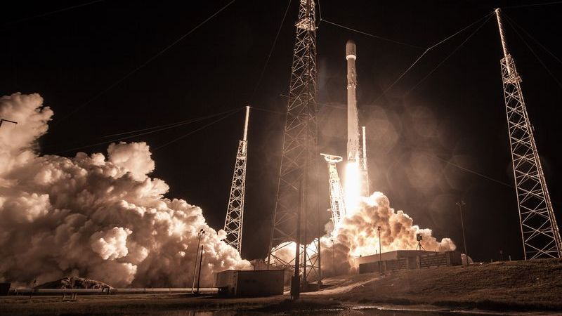SpaceX's Falcon 9 taking off with Zuma on board. SpaceX