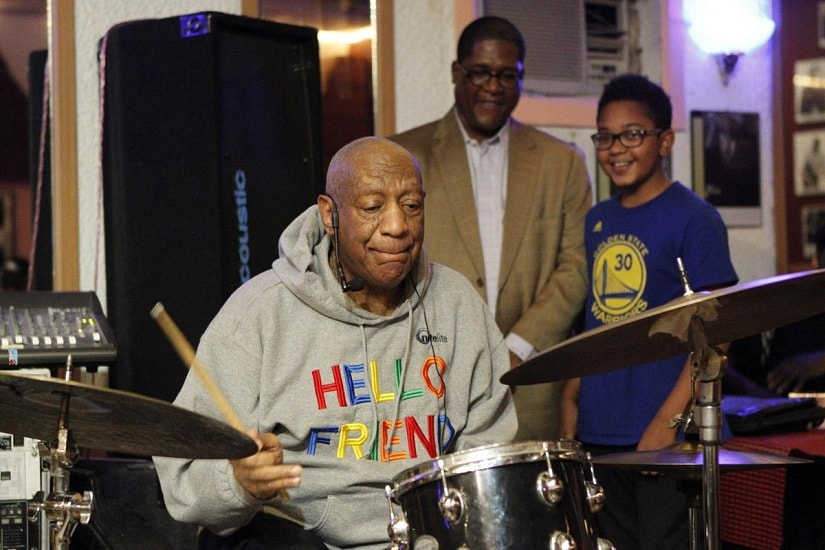 Bill Cosby during his first performance in three years. Image from Twitter/@BostonGlobe