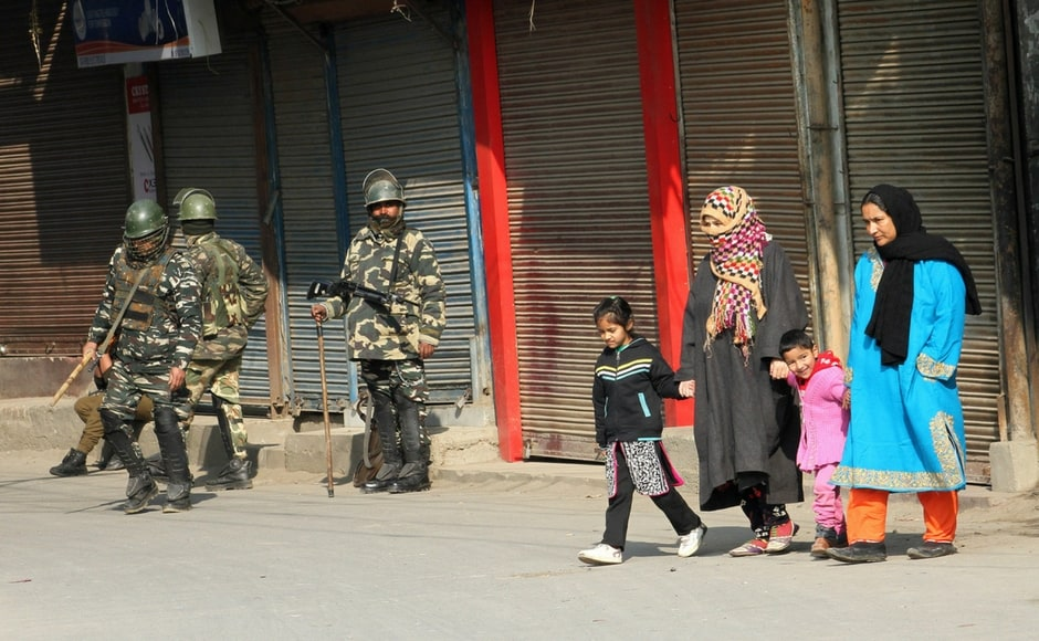 Normal life was affected elsewhere in the Kashmir valley due to the strike. Mostly shops in Anantnag town were shut on the call of separatists. Image Courtesy: Sameer Mushtaq