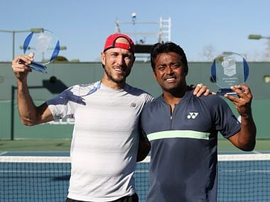 Leander Paes and James Cerretani with the titles. Image Courtesy: Twitter @OracleChallngrs