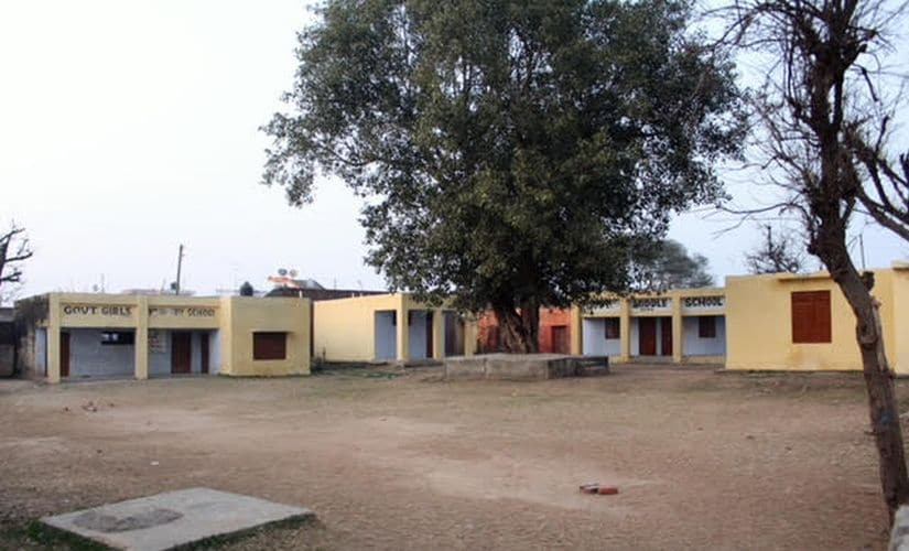 The empty campus of a school in the Bera district along the International Border. Image by Sameer Yasir