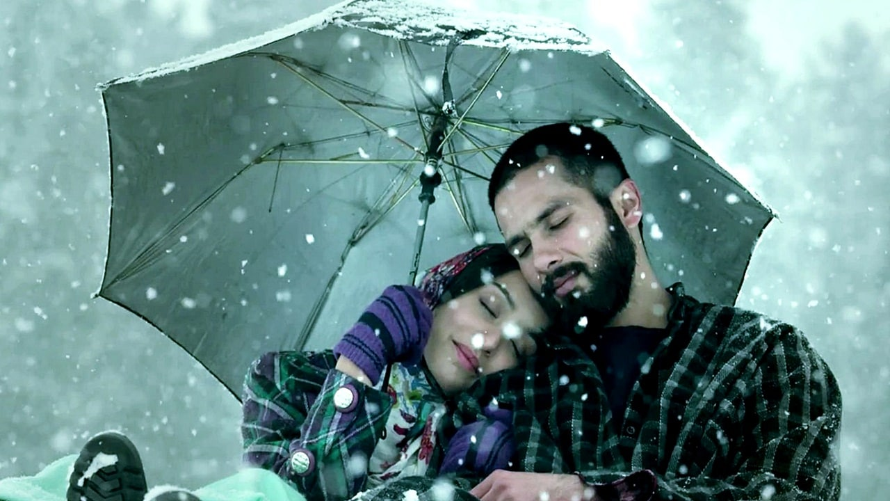 Shraddha Kapoor and Shahid Kapoor in a still from Haider. YouTube