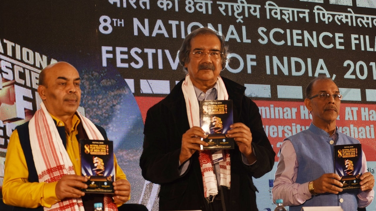 Mike Pandey (Centre) releasing the festival directory. Image: Vigyan Prasar