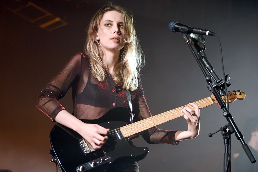 Wolf Alice frontwoman Ellie Rowsell at a concert. Image via Twitter