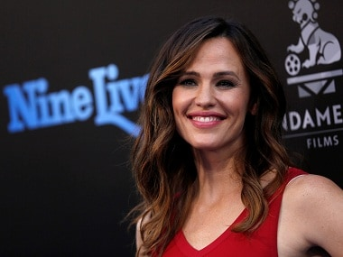 Jennifer Garner to star in Lena Dunham's remake of British comedy series Camping