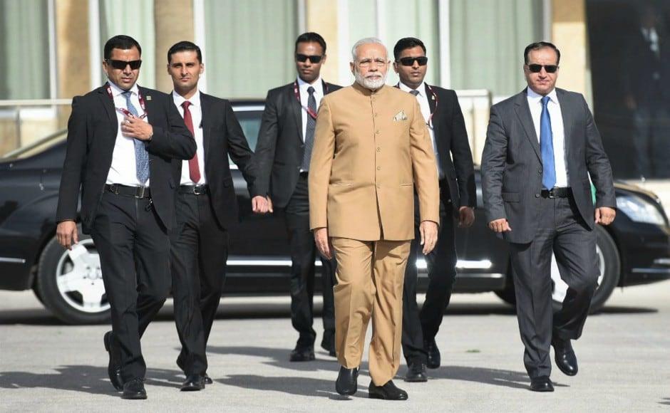 Narendra Modi arrives on historic visit to Palestine, meets President Mahmoud Abbas