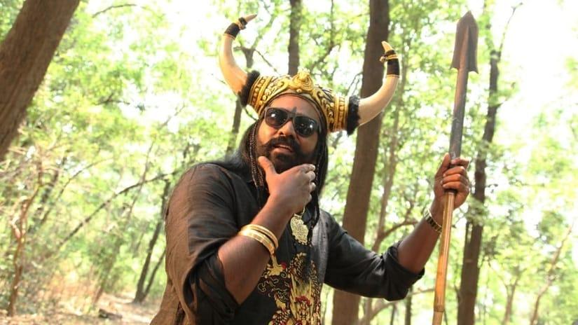 Still from Oru Nalla Naal Paathu Solren