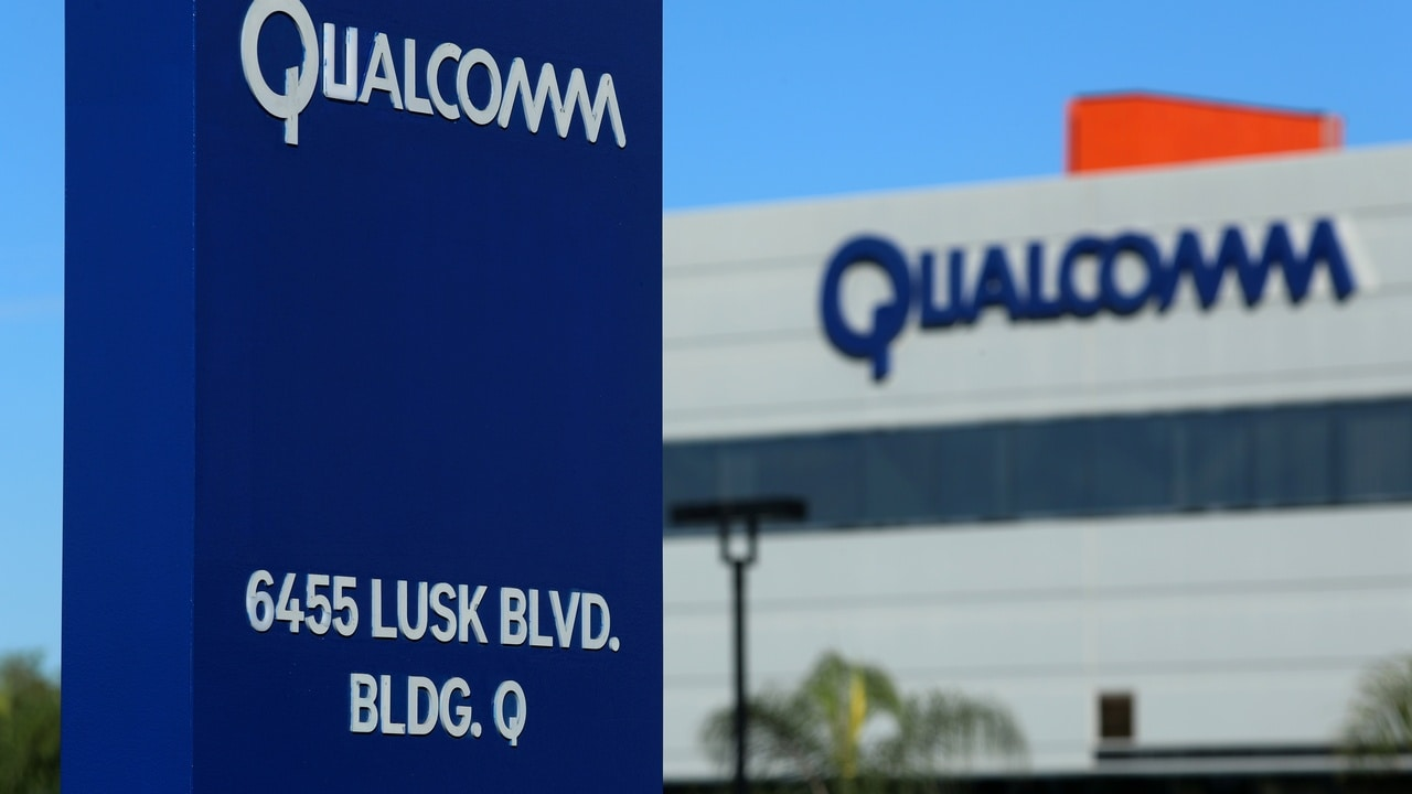 A building on the Qualcomm campus is seen, as chip maker Broadcom Ltd announced an unsolicited bid to buy peer Qualcomm Inc for $117 billion, in San Diego, California, US. Image: Reuters