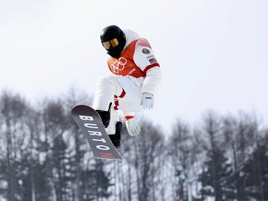 Snowboarding - Pyeongchang 2018 Winter Olympics - Halfpipe Training - Phoenix Snow Park - Pyeongchang, South Korea - February 9, 2018 - Shaun White of the U.S. trains. REUTERS/Mike Blake - DEVEE290BZ4A5