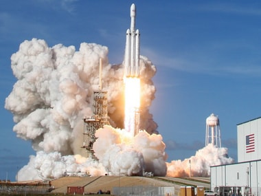 SpaceX gets FCC endorsement to build a broadband network using satellites