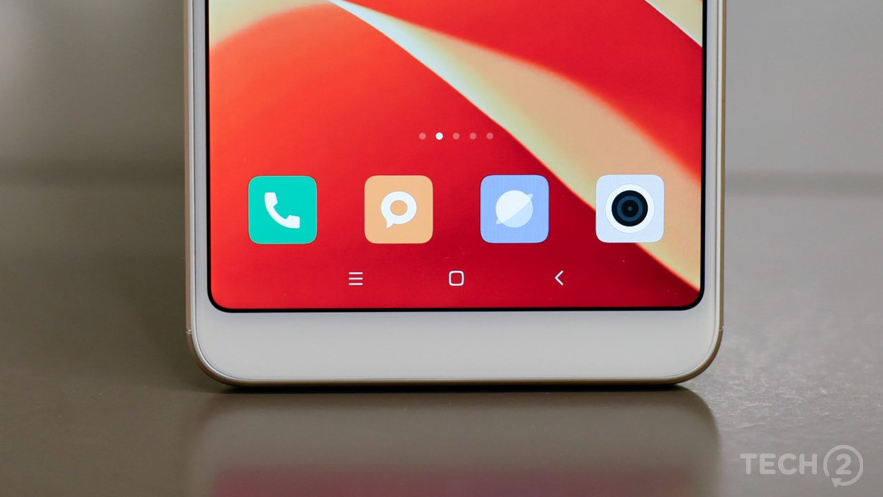 The FHD+ display is sharp and clearly, best in class with some polished, well- rounded corners. Image: Tech2/Rehan Hooda