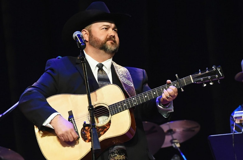Daryle Singletary. Image from Twitter/@iHeartCountry