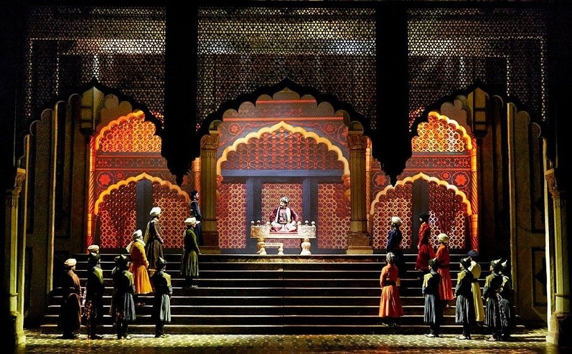 The elaborate sets of the play. Image from Facebook/@Mughal-E-Azam