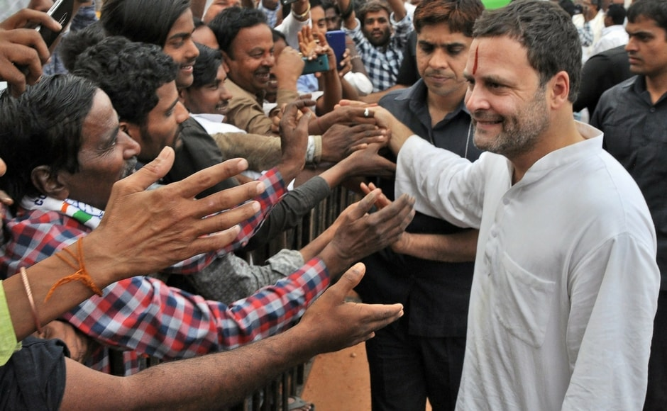 Rahul Gandhi kick-starts campaign in Karnataka, takes dig at Narendra Modi over Rafale deal