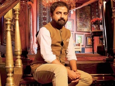Sabyasachi Mukherjee thinks not knowing how to drape a saree is shameful — here's another opinion nobody needed