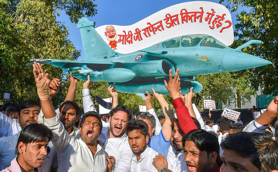 Indian Youth Congress activists march towards Prime Minister's Office to protest against Rafale deal