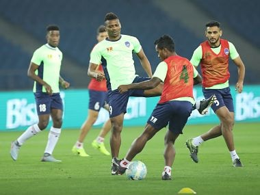 Players warmup during the match 17 of the Hero Indian Super League between Delhi Dynamos FC and Jamshedpur FC held at the Jawaharlal Nehru Stadium, Delhi, India on the 6th December 2017 Photo by: Arjun Singh / ISL / SPORTZPICS