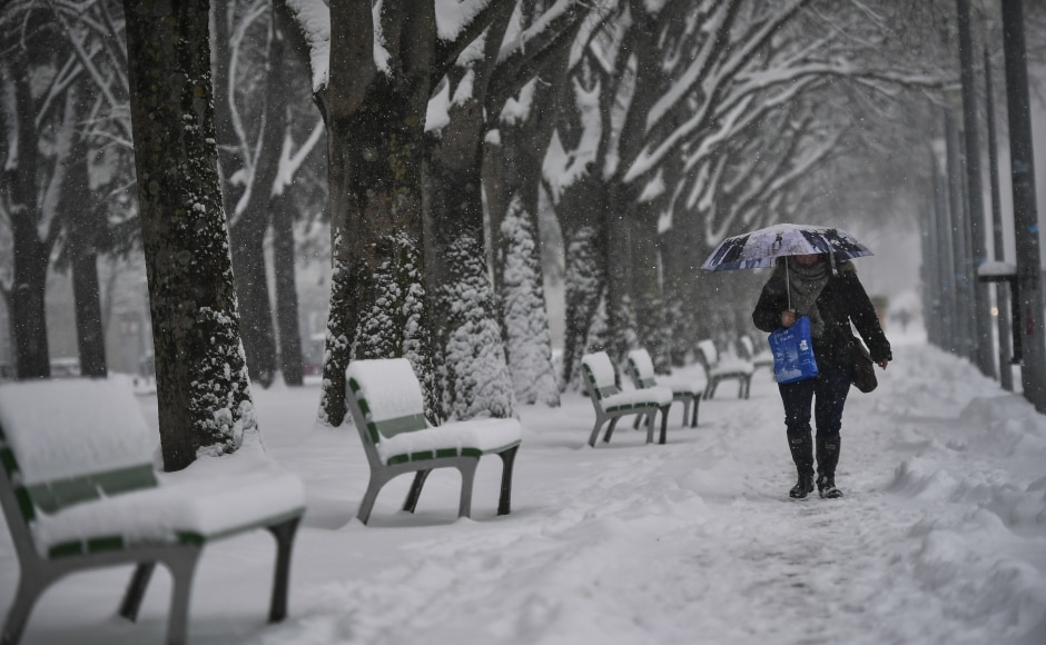 Britain blanketed by snow as 'Beast from the East' causes -10c chaos