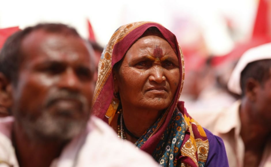 Many women farmers have taken part in the protest. The farmers, led by Left-affiliated All India Kisan Sabha (AIKS), are demanding, among other things, proper implementation of the Maharashtra government's loan waiver scheme. Braving scorching heat, they have covered around 180 kilometres on foot in six days. Firstpost/ Sachin Gokhale