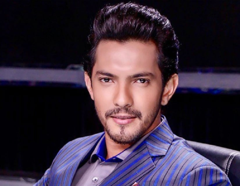 Police detain Aditya Narayan for reckless driving & injuring two