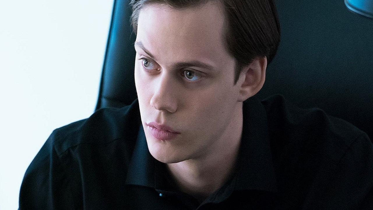 Bill Skarsgård and Maika Monroe Join Villains
