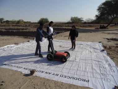 Researchers collecting data at Dholavira site. ISW