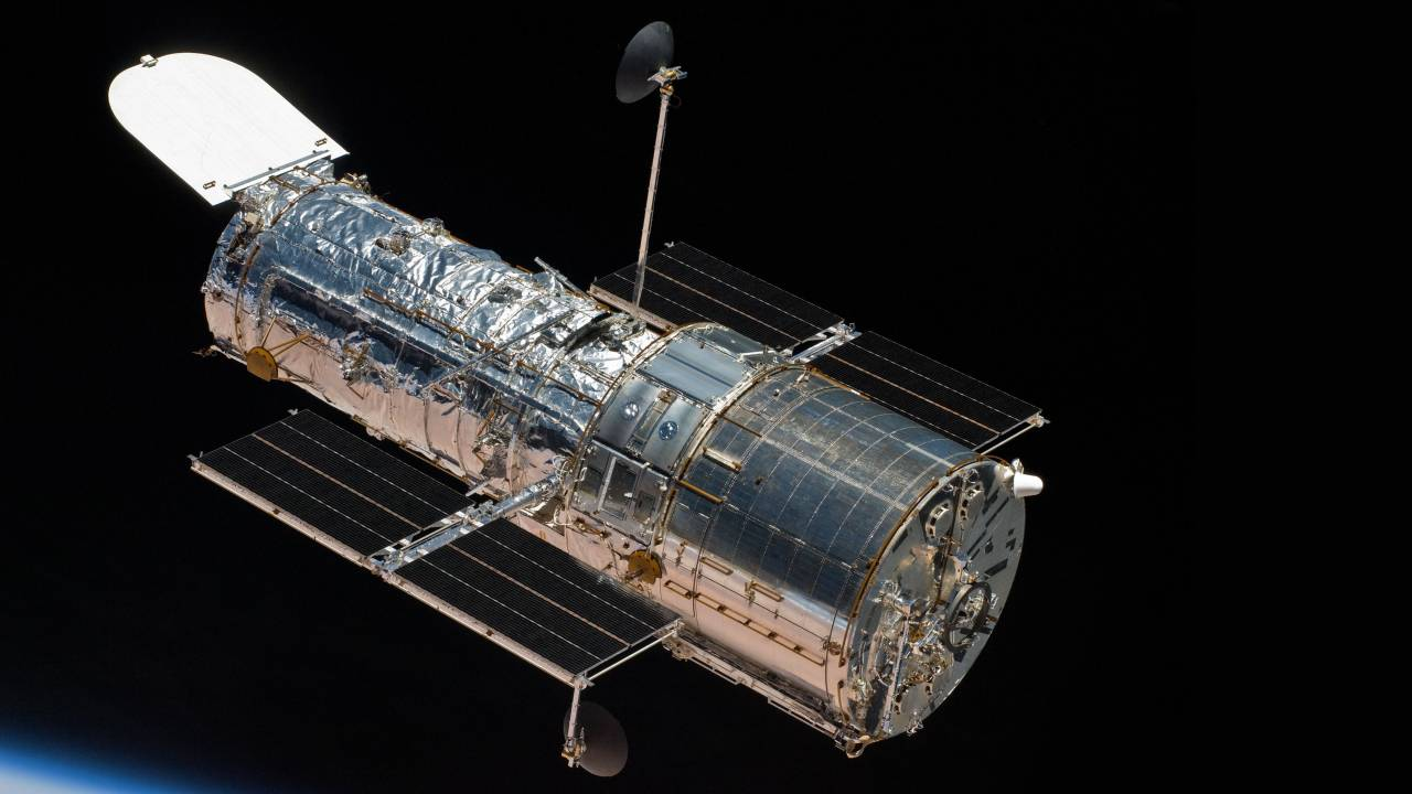 NASA once again puts Hubble Telescope in safe mode due to mysterious bug