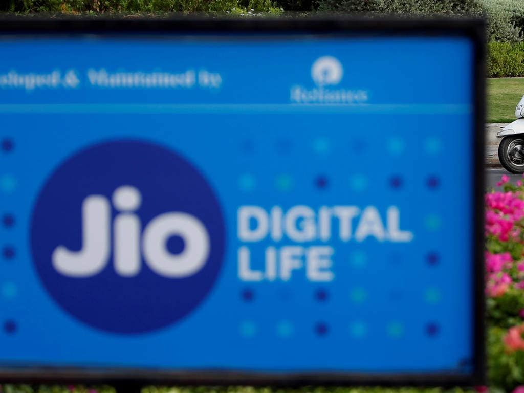 Reliance Jio launches 3 GB daily high-speed data plan at Rs 999 with a validity of 84 days