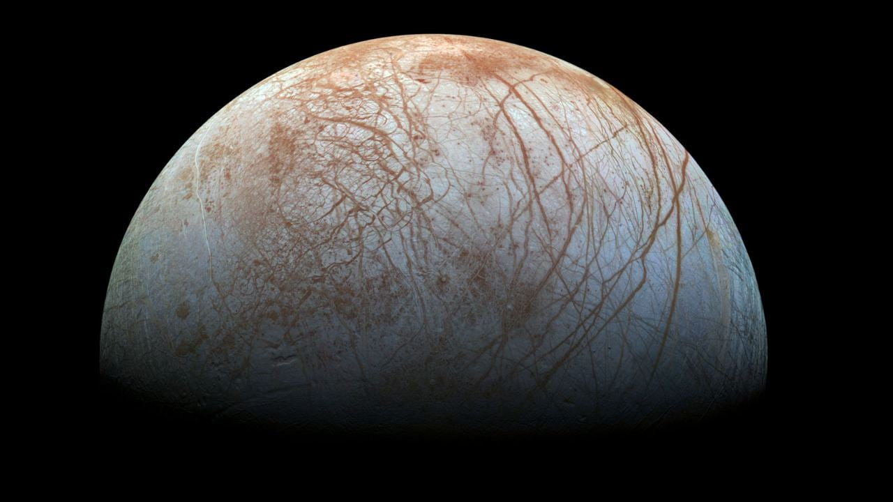 Ocean in Jupiter's moon Europa could hold life, scientists claim