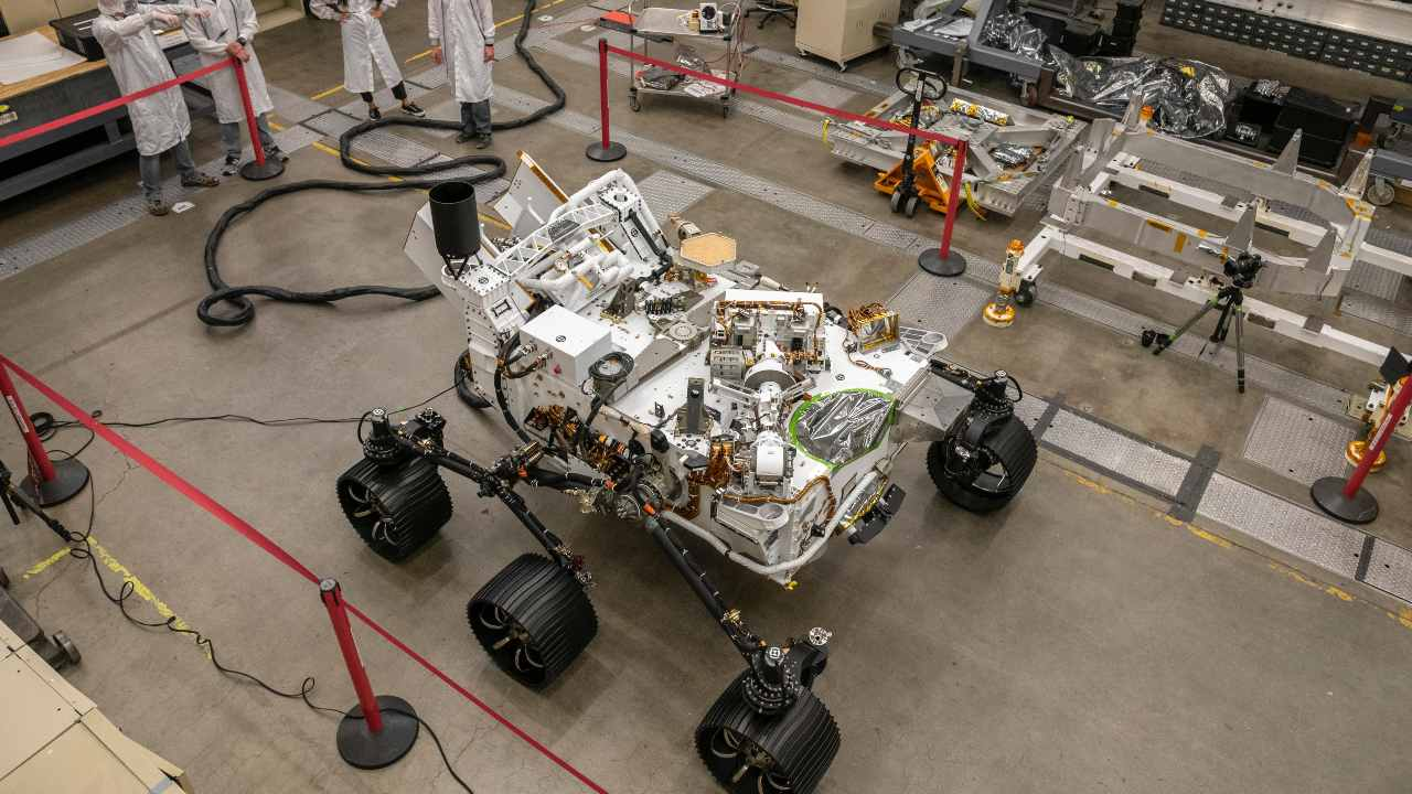 NASA conducts test drive on Mars-bound Perseverance rover's twin — Optimism — on Earth