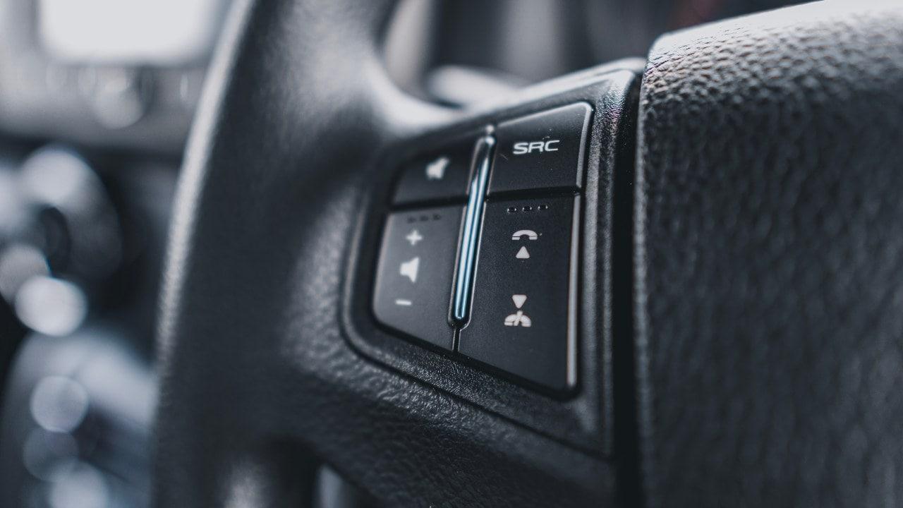2020 Mahindra Thar steering controls