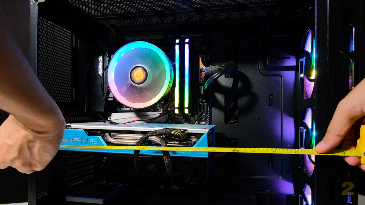 9.Even with a front-mounted radiator, there's more than enough clearance for monster GPUs like the RTX 3080. Image: Anirudh Regidi
