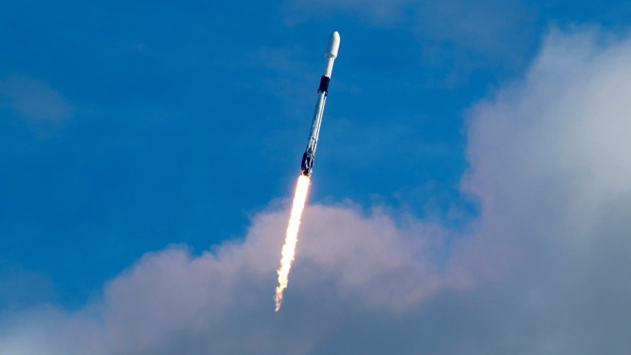 SpaceX Starlink satellites featuring laser intercommunication enhance polar region coverage | NewsBytes