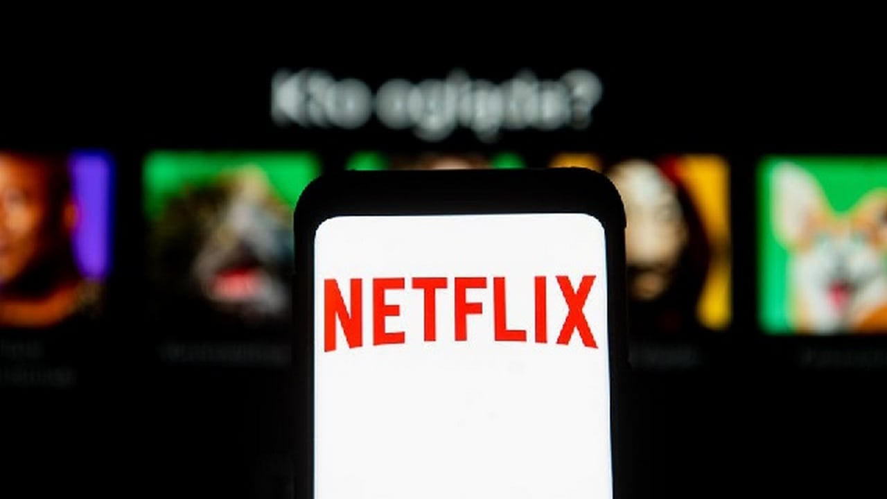 Netflix says it will offer video games on the platform at no extra cost.