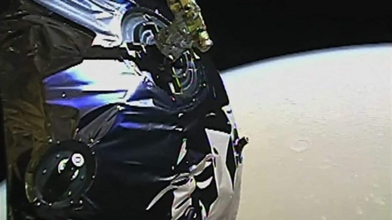 Chinas Tianwen-1 captures video of Mars two days after it enters the planets orbit