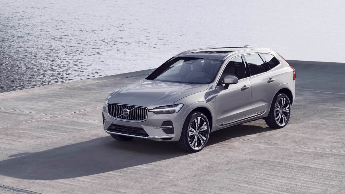 Volvo XC60 facelift revealed in official images, to be launched in India in 2021