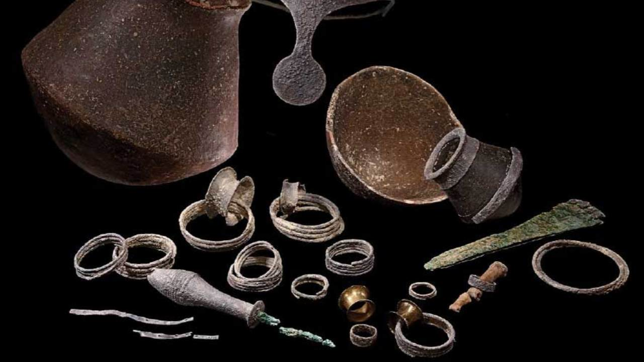 Argarican couple, silver crown may point to woman with political power in Bronze Age