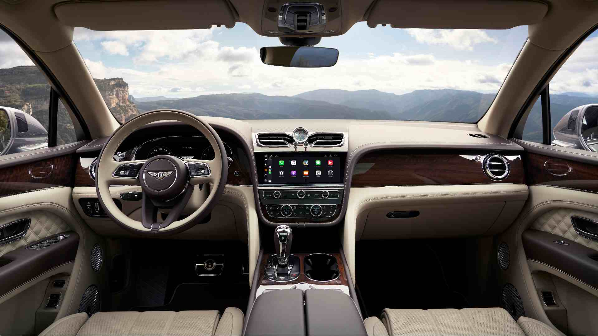 Taking centre stage on the 2021 Bentley Bentayga's dash is a new, 10.9-inch touchscreen infotainment system. Image: Bentley
