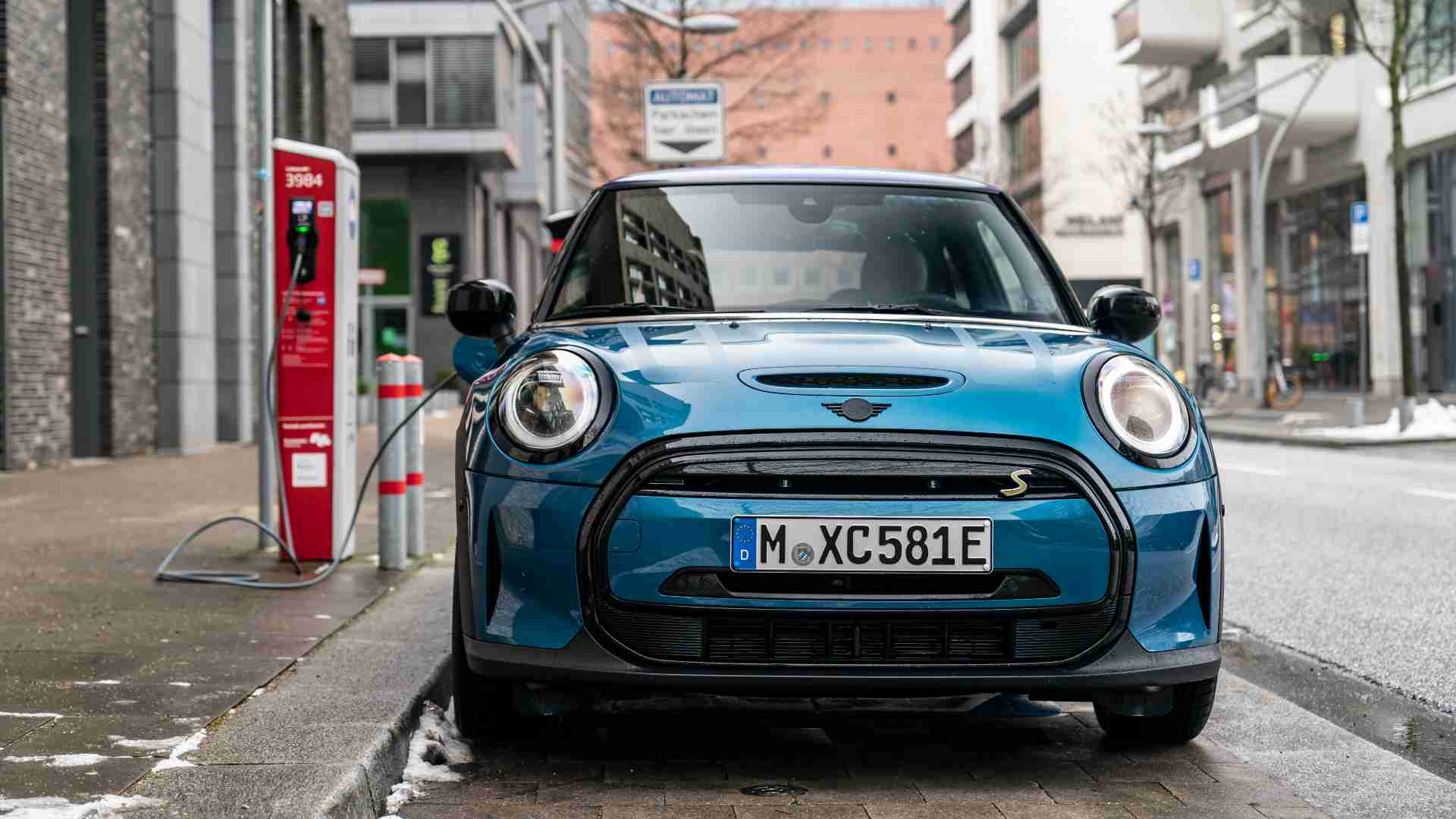 Mini to go all-electric by the 'early 2030s', will roll out its final new ICE model in 2025