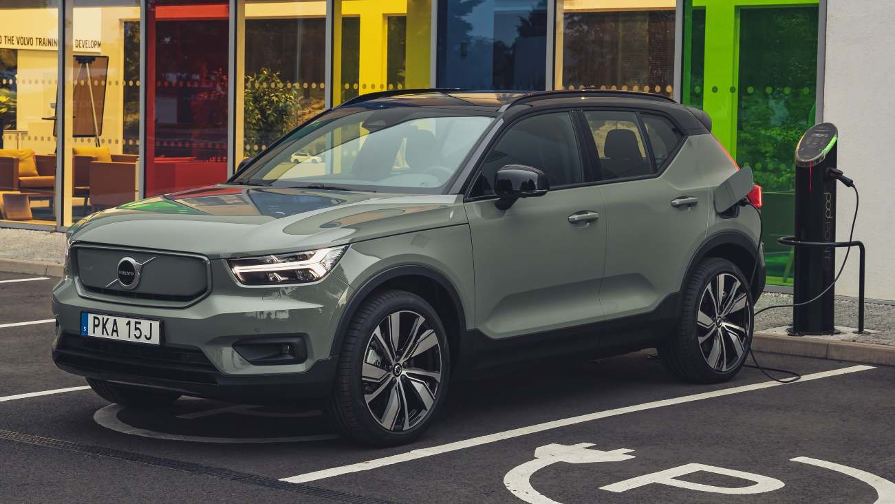Volvo goes all-in on electric cars and online sales, to phase out all ICE vehicles by 2030