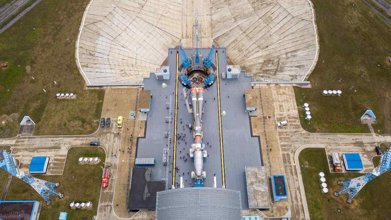 Russia's Soyuz rocket is prepared for the launch of OneWeb's 36 telecommunications satellite from the Vostochny cosmodrome . Image credit: Twitter/ @Arianespace